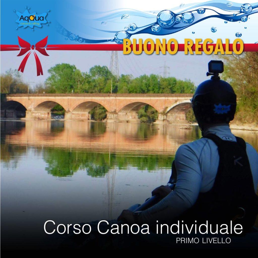 buono regalo natale con canoista da solo in fiume ticino con ponte riflesso